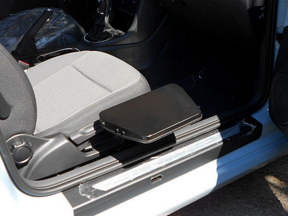 REMOVABLE FOLDABLE TRANSFER PLATFORM RE-SEAT